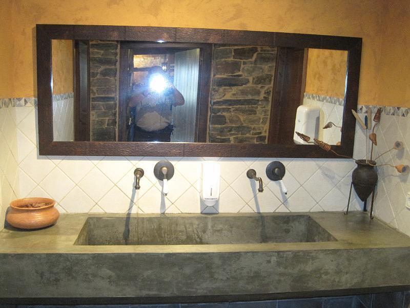 Affordable foto camino primitivo meson catro ventos un bagno stile anticojpg with bagni stile antico - Bagni stile antico ...